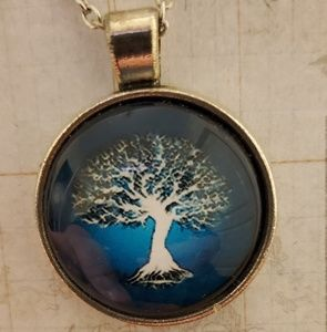 ♡2/$7 or 4/$10♡ Tree of Life Necklace